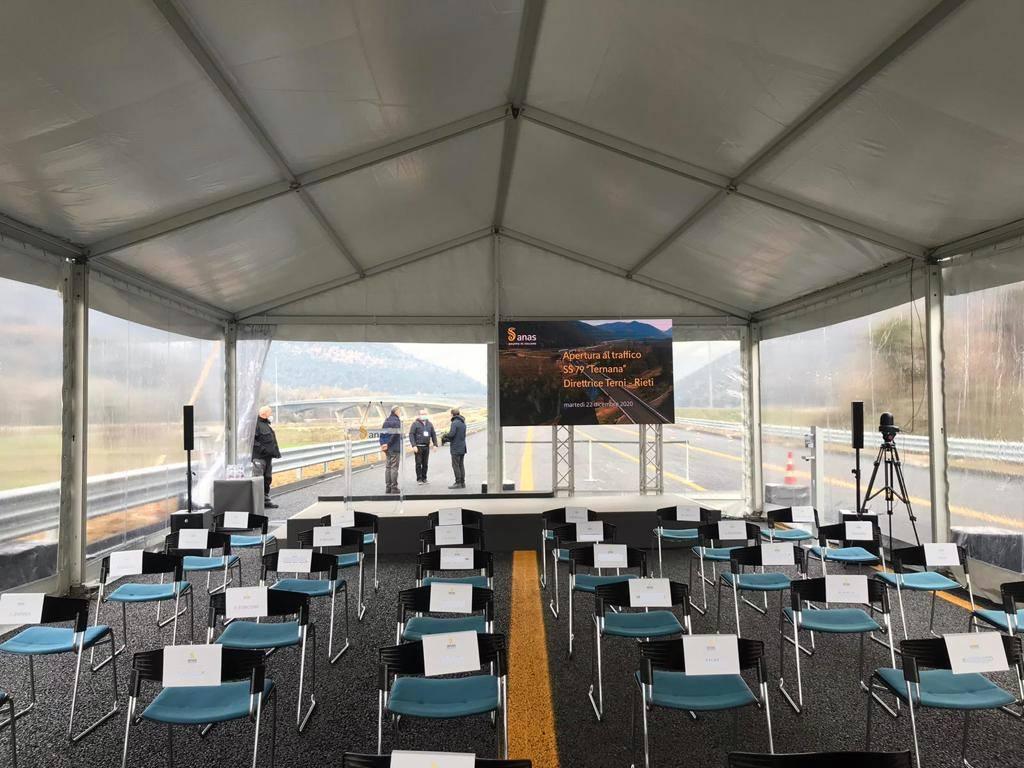 tensostruttura con impianti audio e video per inaugurazione ss79